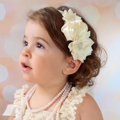 Ekrü színű baba hajpánt keresztelőre